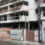 Obra da nova sede da Prefeitura de Guarapari não possui placa de identificação