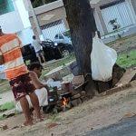 Moradores e prefeitura buscam solução para pessoas em situação de rua