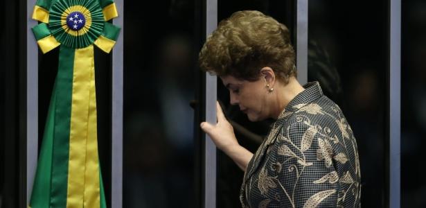Senado aprova impeachment, Dilma perde mandato