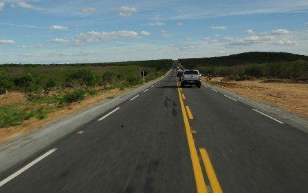 Entre Campina Grande e Cajazeiras: ministro garante duplicação da BR-230