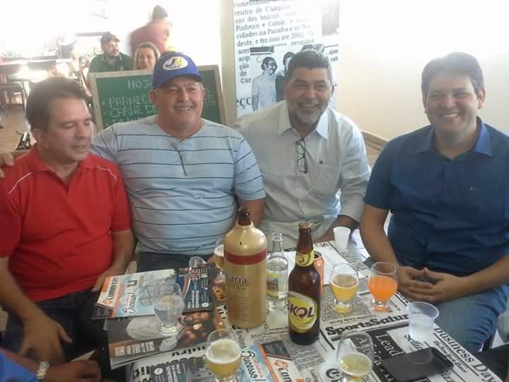 Candidatos a prefeito de Patos, juntos, na inauguração do Point da Imprensa