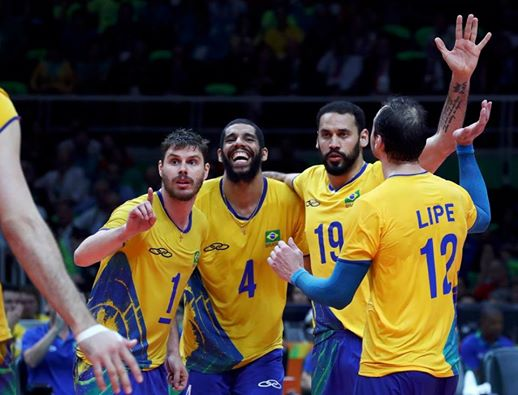 Brasil derrota a Itália e é campeão olímpico no vôlei