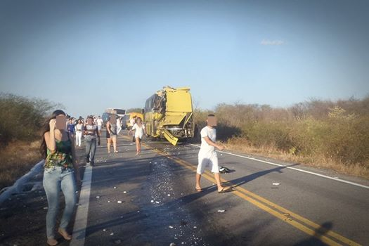 Saiba como aconteceu o acidente entre os dois ônibus do Vale do Piancó