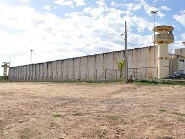 Operação investiga acúmulo de cargos públicos em penitenciária de Patos