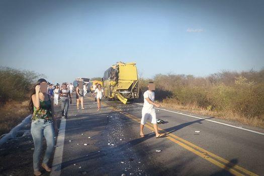 Morre segunda vítima do acidente entre ônibus universitários no Vale do Piancó