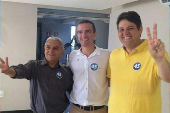 Vídeo: prefeito eleito de Patos comemora com amigos e familiares