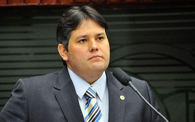 Dinaldinho é eleito prefeito de Patos
