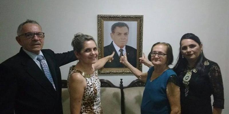 Fátima Bocão é diplomada e família reverencia a memória de Chico Bocão