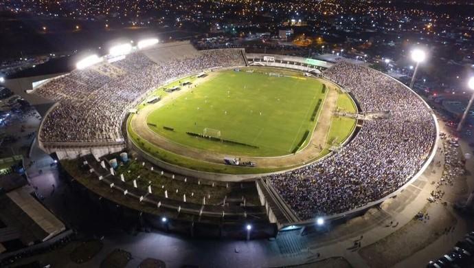 Prefeito veta cerveja nos estádios de João Pessoa