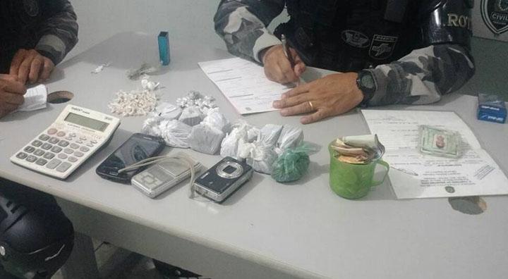 Por tráfico de drogas e furtos quatro menores são apreendidos em Patos. Um deles tem 13 anos apenas; ouça