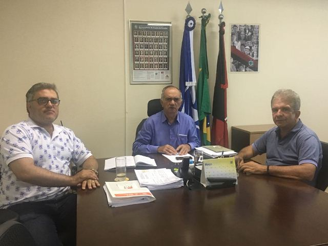 Deputado Nabor Wanderley vai ao Detran solicitar soluções para o curso de formação para mototaxistas