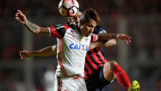 Flamengo leva virada do San Lorenzo no fim e está eliminado da Libertadores