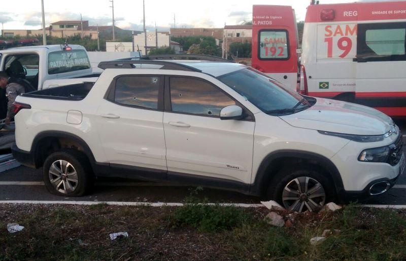 Em perseguição, motorista é baleado ao tentar fugir de bloqueio da Polícia Militar em Patos
