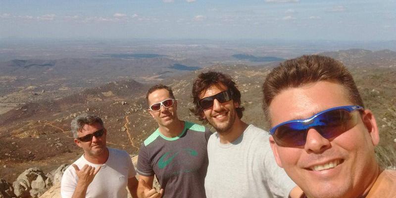 Atual recordista mundial em parapente, Rafael Saladini, conhece o Pico do Jabre