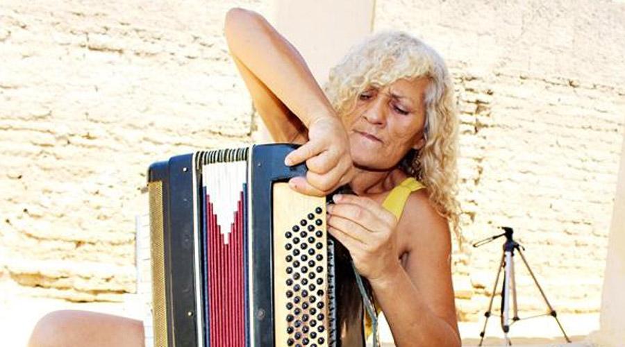 Mesmo com sanfona em frequentes reparos conceiçãoense supera dificuldades e sonha em tocar em grandes palcos