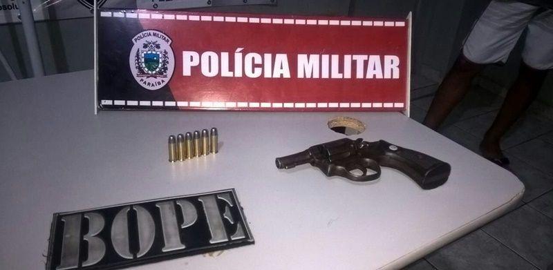 Polícia apreende revólver calibre 38 em poder de um menor no centro de Patos