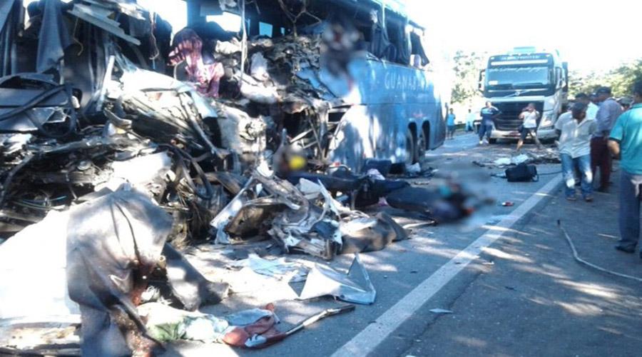 Seis pessoas morrem em acidente no Goiás com ônibus que saiu de Cajazeiras