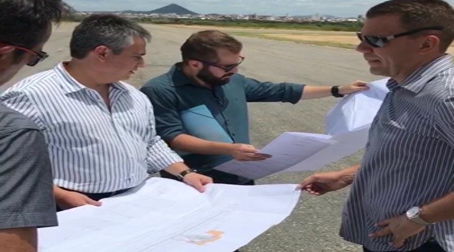 Técnicos da Secretaria de Aviação Civil realizam visita ao aeroporto de Patos