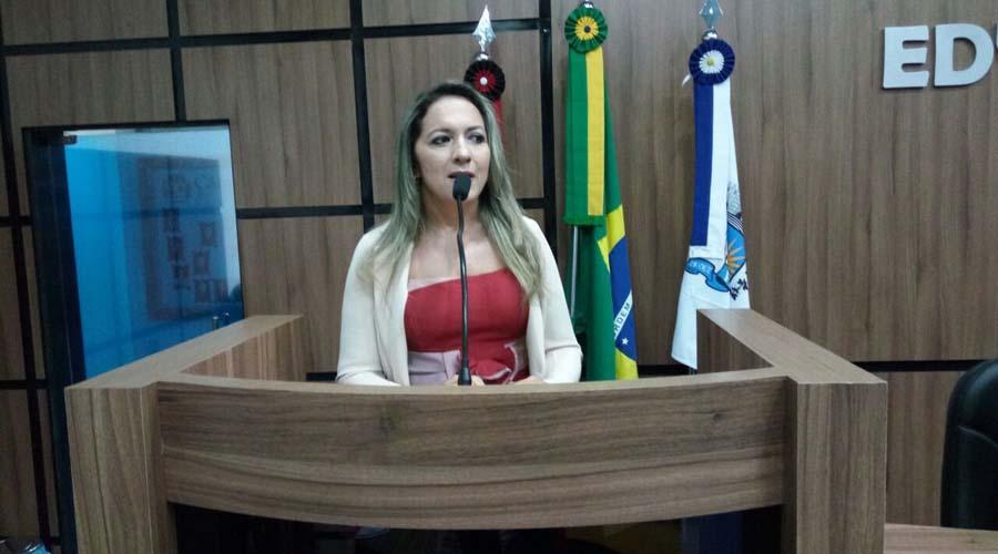 Vereadora solicita implantação da clínica escola para tratar do autismo no município de Patos