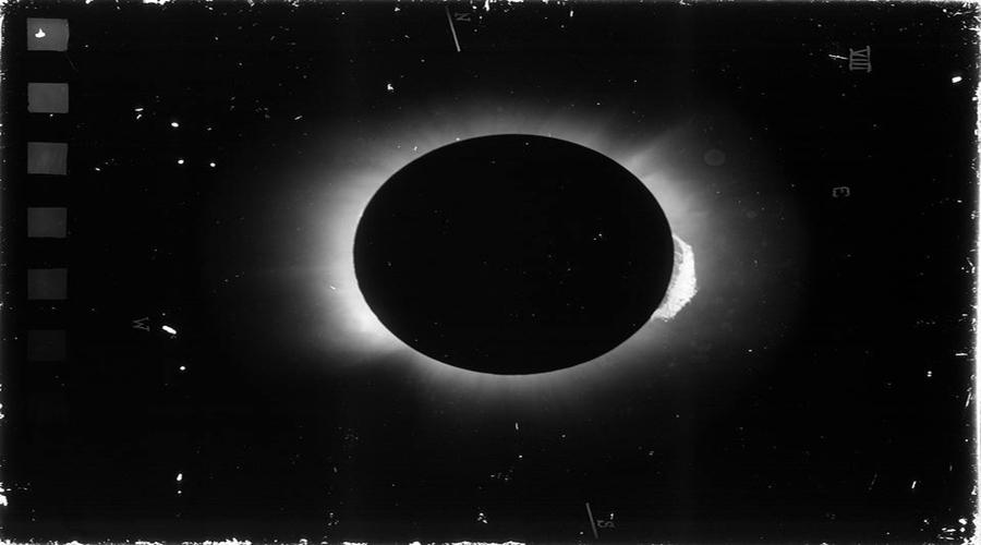 99 anos do eclipse que escureceu a Terra e iluminou a humanidade