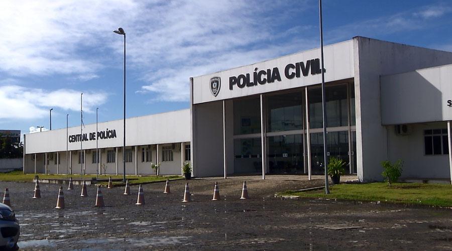 Advogado é sequestrado, família é feita refém e suspeitos roubam carro e R$ 30 mil, em João Pessoa