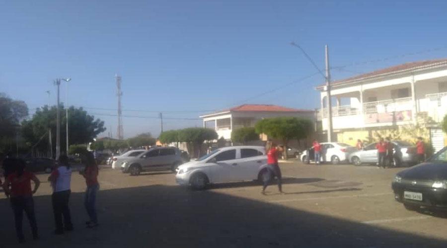 Odontóloga tem seu veículo tomado de assalto ao sair de missa, no Belo Horizonte, em Patos