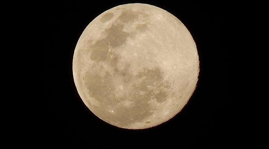 A beleza da Lua sertaneja na noite de hoje