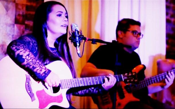 Conheça a nova música da cantora patoense Saiô