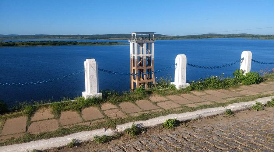 Açude de Coremas pega 32 centímetros d'água nas últimas 48 horas
