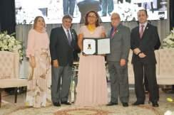 Com a diretoria do Conselho Federal de Farmácia após receber a Comenda do Mérito Farmacêutico e o diploma.