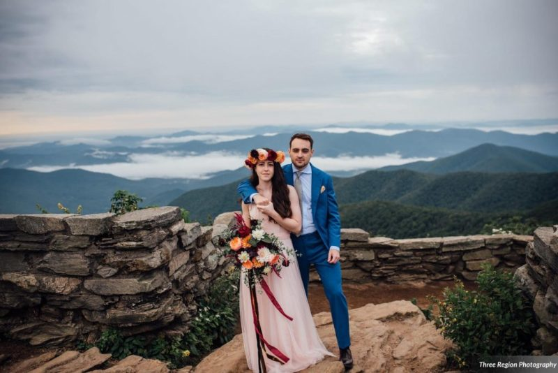 Jessie & Hudson's Mountain Top Asheville Elopement at Craggy Gardens on the Blue Ridge Parkway. Photos by Three Region Photography   Elopement Planning and Floral Design by Folie à Deux Events www.folieadeuxevents.com