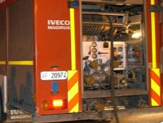 Incendio nella notte a Foligno, a fuoco cantina, evacuata palazzina