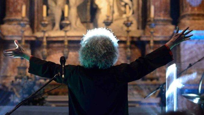 Angelo Branduardi e la sua band in concerto a Bevagna