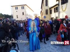 Carnevale dei ragazzi di Sant'Eraclio in un turbinio di stelle filanti e coriandoli FOTO