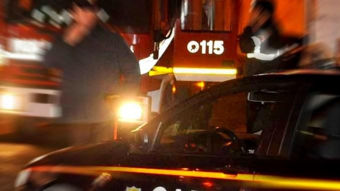 Incendio campo rom Sant'Eraclio, roulotte in fiamme, Carabinieri, no dolo