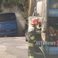 Autobus distrutto dalle fiamme a Belfiore, era vicino alla scuola | FOTO - VIDEO