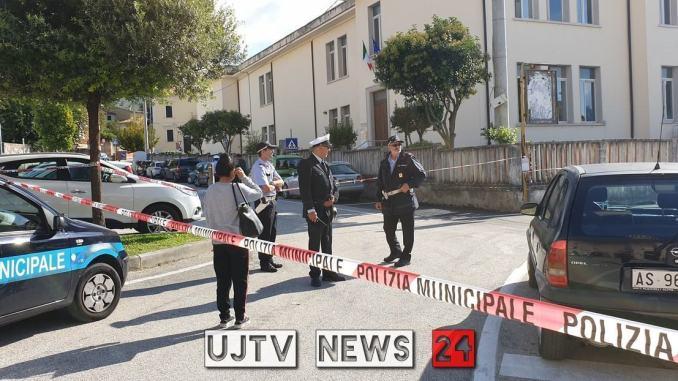 Si barricò nella scuola della figlia con una finta bomba, condannato