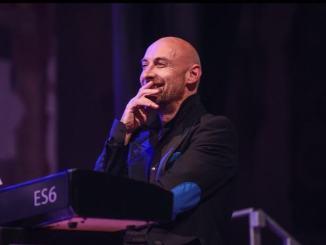 Con la sua musica Luca Giuliani coinvolge le piazze