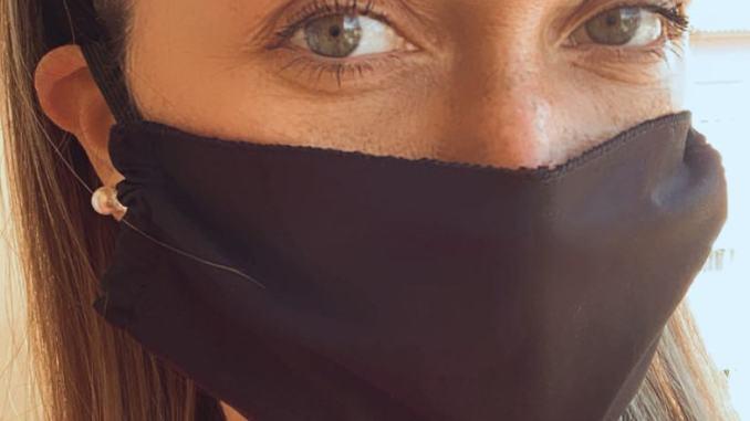 Due attività di Trevi insieme producono mascherine, il ricavato in donazione
