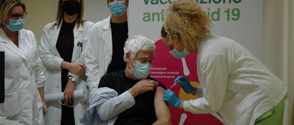 Somministrate al personale sanitario le prime 40 dosi del nuovo vaccino Moderna