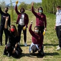 Leo Club Foligno Ripulita dai rifiuti l'area intorno al Parco Fluviale Hoffman