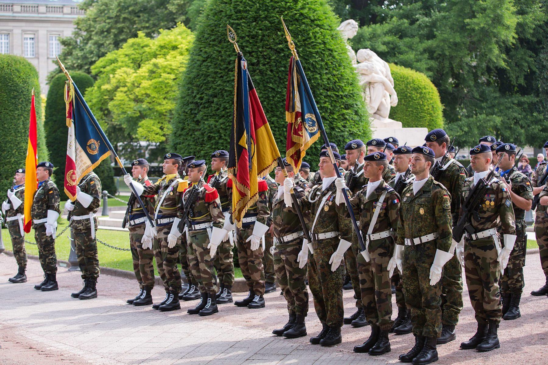 Tysklands forsvarsminister: EU skal have en overstatslig udenrigspolitik
