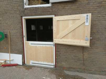 Vervangen paardenstal deur - Klusbedrijf Folkertsma Friesland