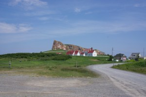 red-roofed-houses-and-perce