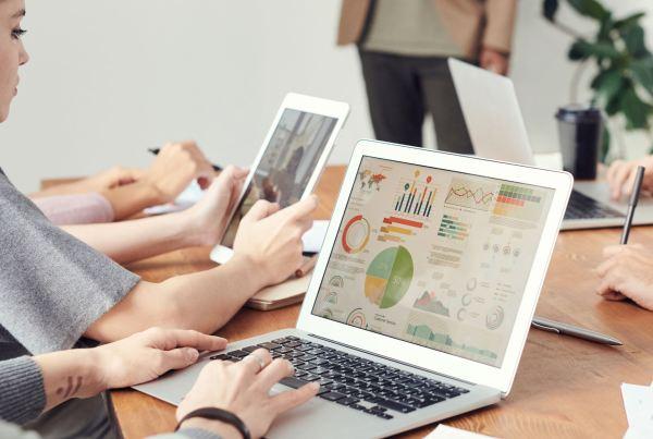 5 best tools to analyze Twitter followers blog banner