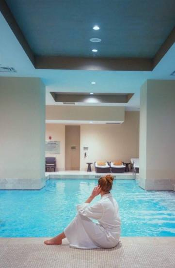 7 Reasons To Stay At The Ritz-Carlton Toronto For Your Next Getaway | Luxury Hotel Rooms | Luxury Spa Inspriation | Best Luxury Hotels | Luxury Travel Tips | Follow Me Away Travel