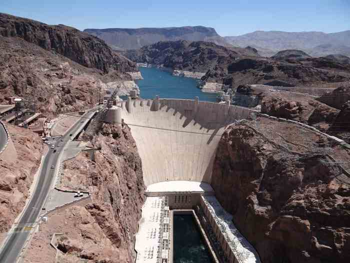 See the Hoover Dam during your 5 day Arizona vacation