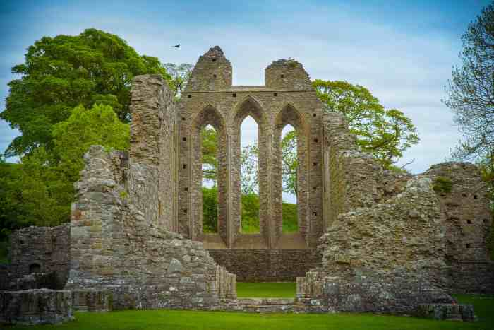 visit Inch abbey in Northern Ireland game of thrones location