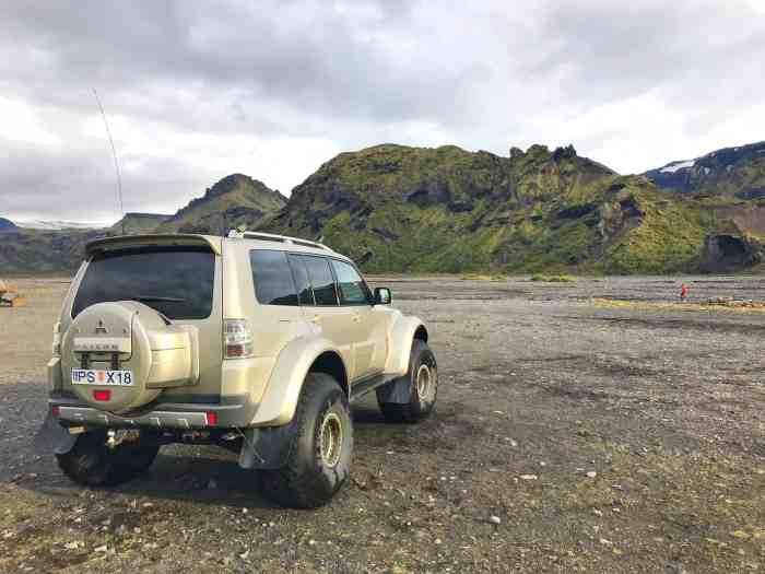 super jeep tours to thorsmork Iceland