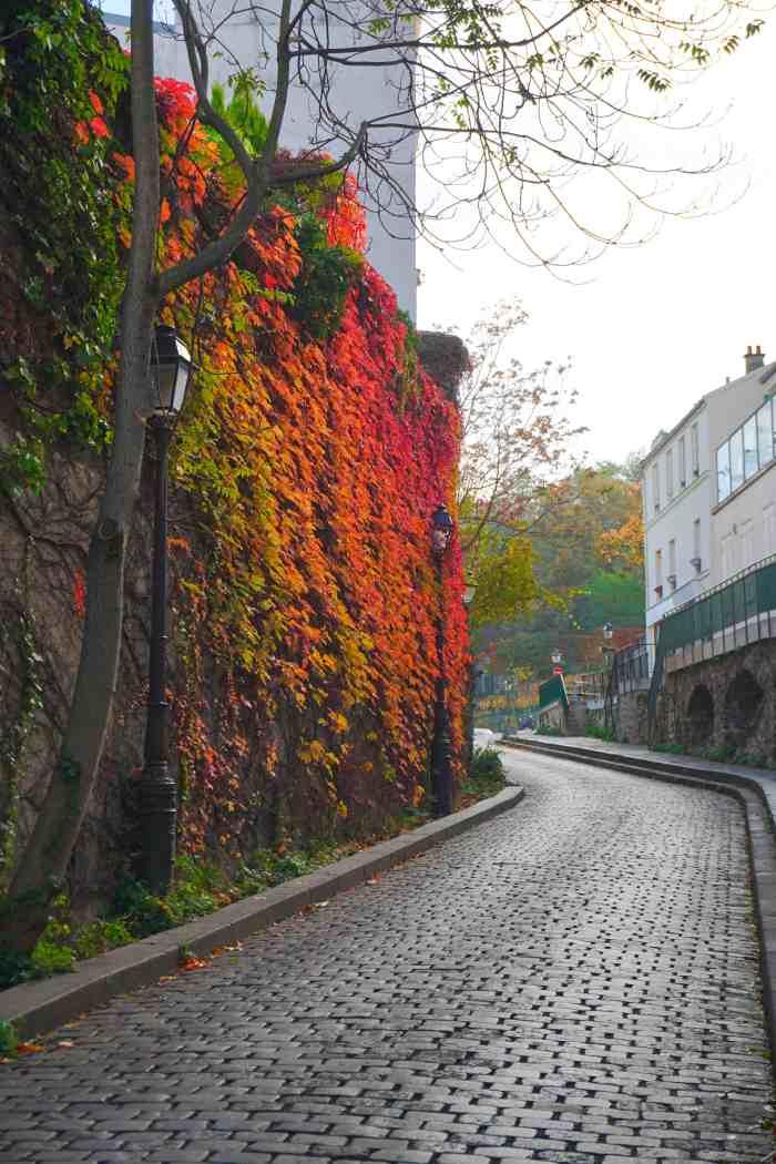 Rue Saint-Vincent is the best Paris street for beautiful views | cute streets in Paris | best paris photos